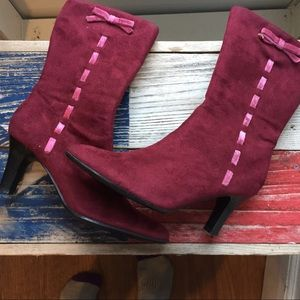 Faux suede bow boots